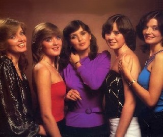 I Love 60s-70s Nostalgic Music-The_Nolans.jpg