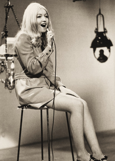Mary Hopkin1.png